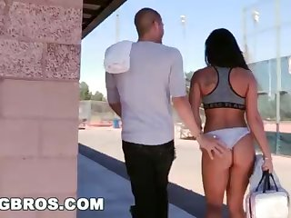 BANGBROS - Witness Xander Corvus Screw Gianna Nicole In A Public Park!