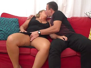 Giuliana is a mature whore who can not hold back from having casual fuck-a-thon adventures
